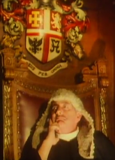judge under islington crest