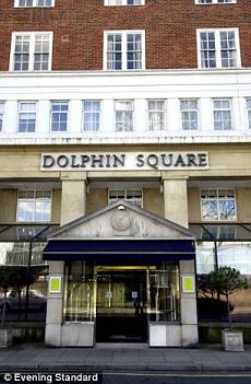 dolphinsquare 230x351