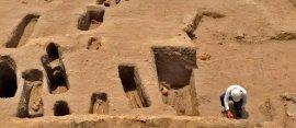graves-pre-inca
